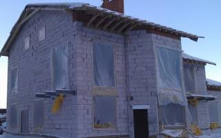 Как заколотить окна на зиму