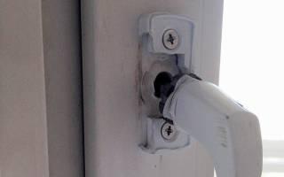 Как поменять ручку на пластиковой двери балкона