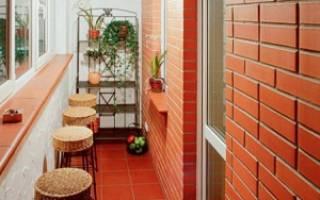 Как декорировать кирпичную стену на балконе