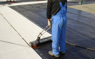 Как залатать крышу из рубероида